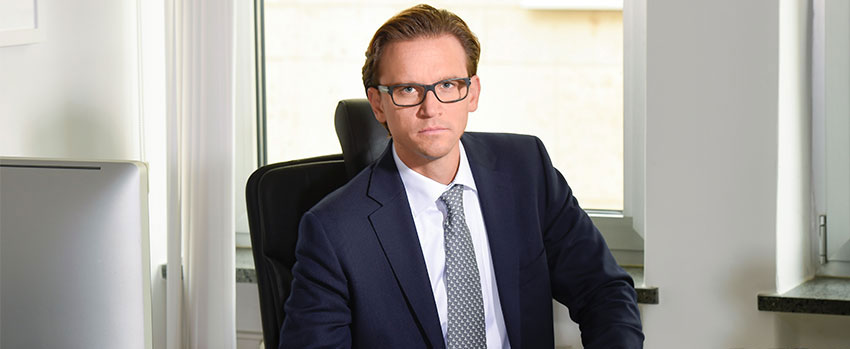 Portrait von Tom Heindl, Fachanwalt für Strafrecht in München